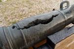 Burst canon at Forteleza de San Carlos de la Cabana