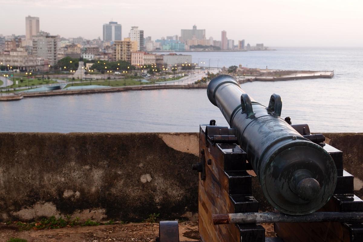 Canon pointing over havana from the Forteleza de San Carlos de la Cabana