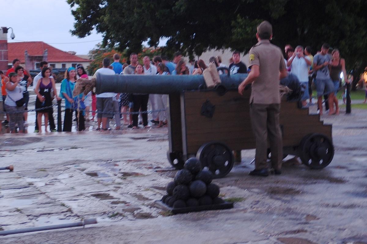 Canon about to be blast at Forteleza de San Carlos de la Cabana