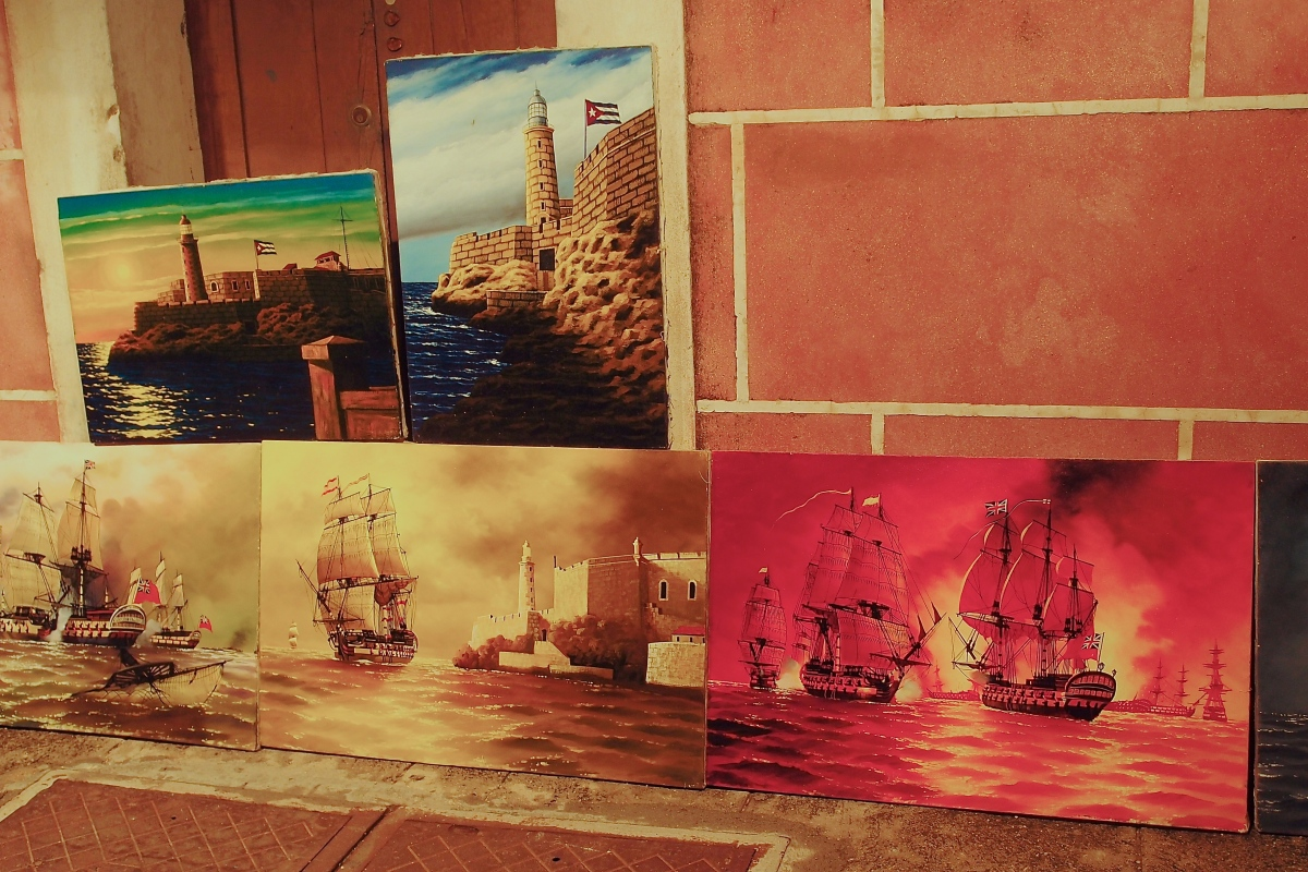 Tourist paintings on sale at Forteleza de San Carlos de la Cabana